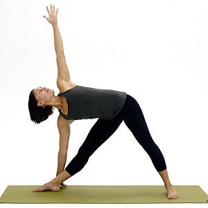 trikanasana yoga pose